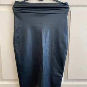 Skirt faux leather size M